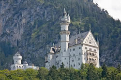 Neuschwanstein Castle in all it's glory! Castles are another great reason to visit Germany. If only I was a real princess.